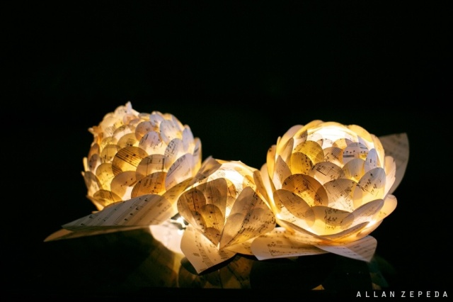 the3Rsblog - Zipper 8 Lighting Paper Flower Centerpieces from Sing for Hope Gala 2012